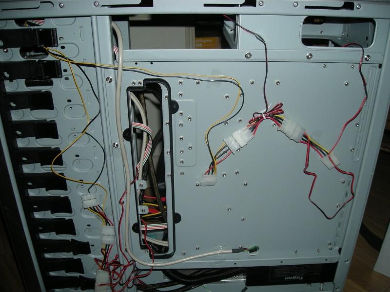 Fan cables (4x120mm + 2x80mm fans total)
