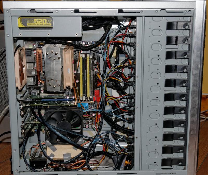 Q9550, 8 GB ram, 2x LSI SAS HBA